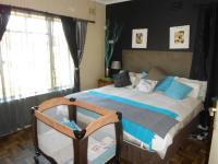 Main Bedroom - 17 square meters of property in Casseldale