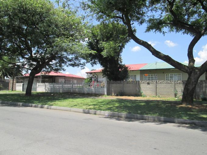 Standard Bank EasySell 2 Bedroom House For Sale in Crown Gardens - MR124503