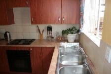 Kitchen - 13 square meters of property in Heuwelsig Estate