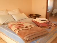 Main Bedroom - 11 square meters of property in The Reeds