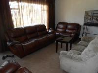 Lounges - 21 square meters of property in Benoni