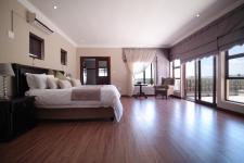 Main Bedroom - 53 square meters of property in Silver Lakes Golf Estate