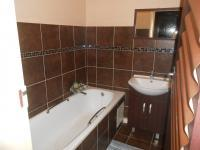 Main Bathroom - 3 square meters of property in Pretoria North