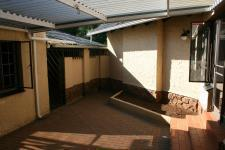 Spaces - 56 square meters of property in Eldoraigne