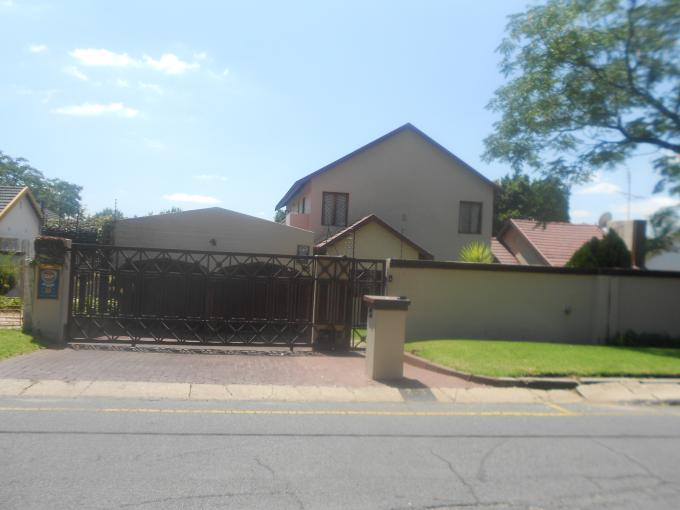 Standard Bank EasySell 5 Bedroom House for Sale For Sale in Kew - MR124607