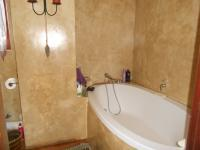 Main Bathroom - 14 square meters of property in Olympus
