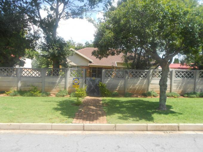 Standard Bank EasySell 4 Bedroom House for Sale For Sale in Horison - MR124627