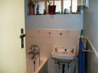 Bathroom 1 - 6 square meters of property in Horison