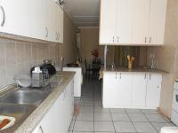 Kitchen - 19 square meters of property in Bonaero Park