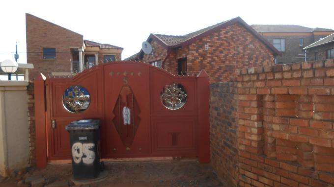 Standard Bank EasySell 3 Bedroom House For Sale in Philip Nel Park - MR124656