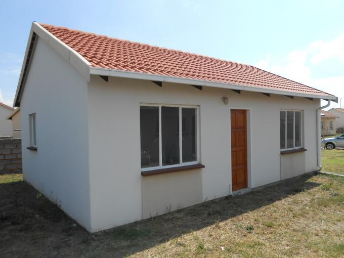 Standard Bank EasySell 2 Bedroom House For Sale in Selcourt - MR124660