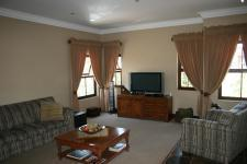 Lounges - 31 square meters of property in Mooikloof