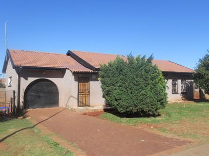 Standard Bank Repossessed 3 Bedroom House for Sale on online auction in Lenasia - MR12469