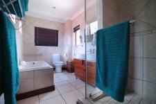 Main Bathroom - 8 square meters of property in Six Fountains Estate