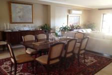 Dining Room of property in Paarl