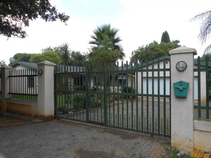 Standard Bank EasySell 5 Bedroom House For Sale in Rynfield - MR124706