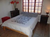 Bed Room 2 - 12 square meters of property in Rooihuiskraal North