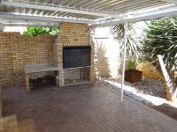 Patio - 21 square meters of property in Rooihuiskraal North