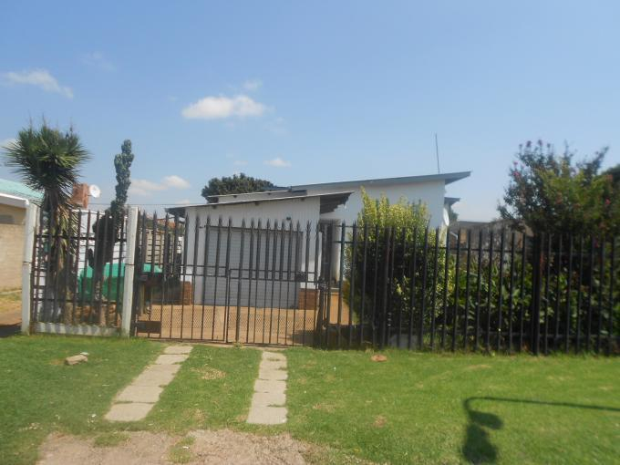 Standard Bank EasySell 3 Bedroom House For Sale in Sophiatown - MR124741