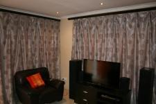 Lounges - 14 square meters of property in Atteridgeville
