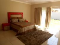 Main Bedroom - 33 square meters of property in Klerksdorp