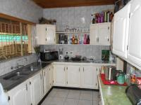 Kitchen - 13 square meters of property in Noycedale