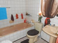 Bathroom 1 - 6 square meters of property in Noycedale