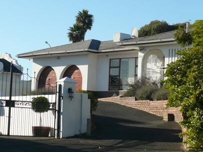 Standard Bank Repossessed 3 Bedroom House For Sale in Plattekloof - MR12476