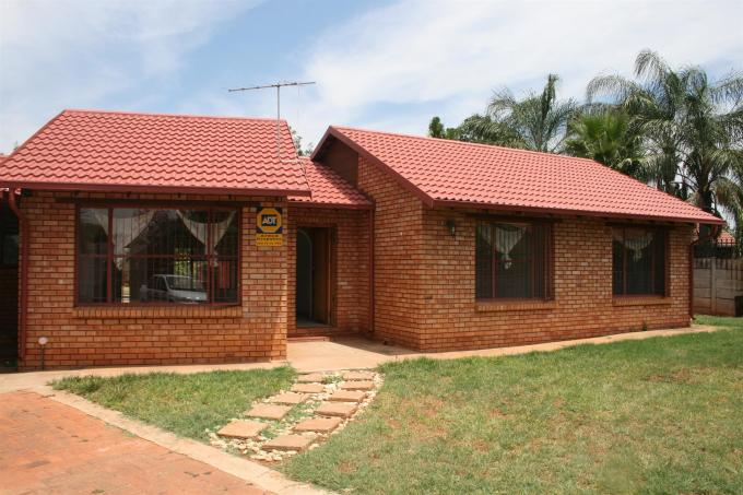 3 Bedroom House for Sale For Sale in The Orchards - Home Sell - MR124765