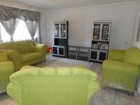 Lounges - 49 square meters of property in Struisbult