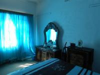 Bed Room 1 - 17 square meters of property in Struisbult