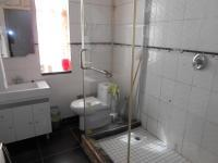 Main Bathroom - 6 square meters of property in Struisbult