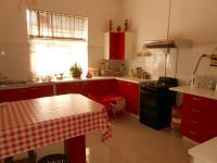 Kitchen - 22 square meters of property in Struisbult