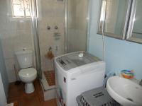 Main Bathroom - 4 square meters of property in Rainham