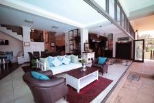 Spaces - 118 square meters of property in Woodhill Golf Estate