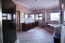 Main Bathroom - 25 square meters of property in Woodhill Golf Estate