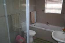 Bathroom 1 - 6 square meters of property in Parklands