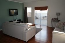 Lounges - 24 square meters of property in Parklands