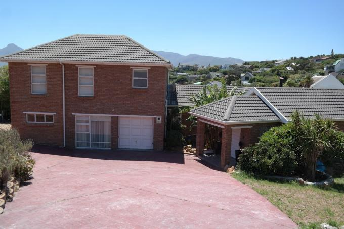 Standard Bank EasySell 5 Bedroom House for Sale For Sale in Fish Hoek - MR124800