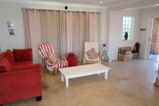 Lounges - 34 square meters of property in Fish Hoek