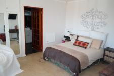 Main Bedroom - 27 square meters of property in Fish Hoek
