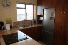 Kitchen - 11 square meters of property in Grassy Park