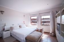 Main Bedroom - 42 square meters of property in Willow Acres Estate