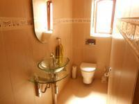 Bathroom 1 - 5 square meters of property in Pebble Rock