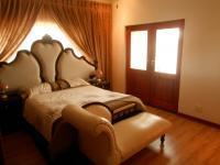 Bed Room 5+ - 30 square meters of property in Pebble Rock