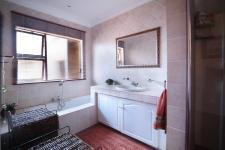 Bathroom 1 - 10 square meters of property in Silver Lakes Golf Estate