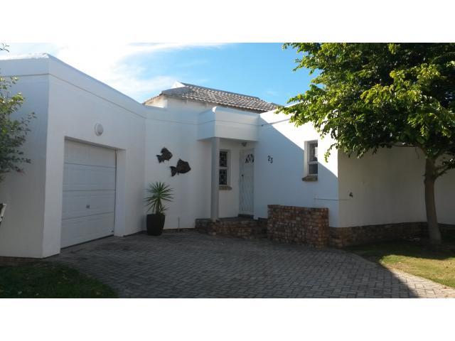 2 Bedroom Sectional Title for Sale For Sale in Lovemore Heights - Home Sell - MR124877
