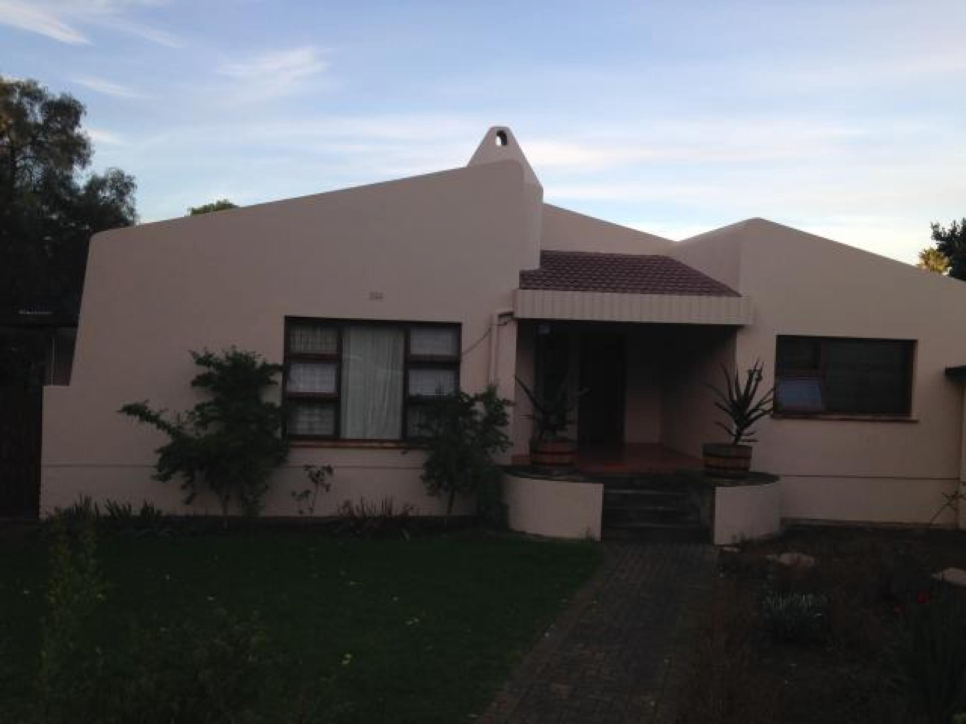 Front View of property in Riversdale WC