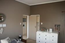 Main Bedroom - 17 square meters