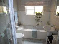 Main Bathroom - 5 square meters of property in Amanzimtoti